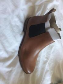 Clark's size 7 ankle boots