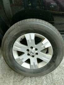 Nissan Pathfinder / Navara alloy and brand new tyre