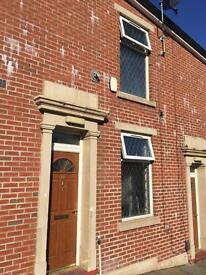 2 bed house available (Johnston Street Area)
