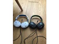 2 pairs of turtle beach earphones