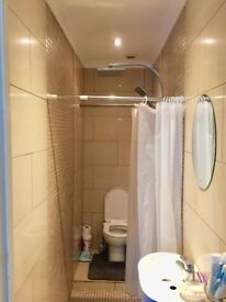Very nice single room with private bathroom