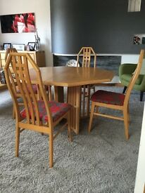 Dansk design table & 4 chairs light oak hexagonal shape with 2 extension leafs