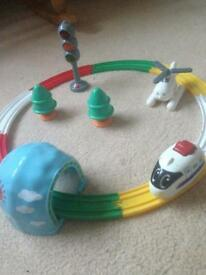 Tomy play to learn train set