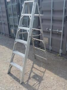 6' ALUMINUM STEP LADDER Excellent condition OAKVILLE