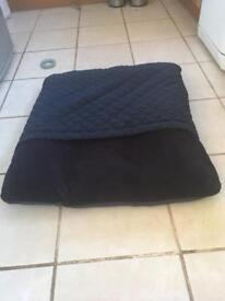 Waggers dog tunnel bed