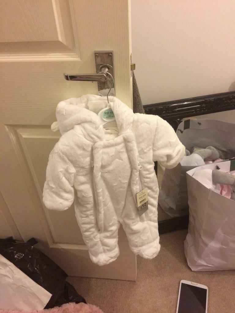 Snow suit brand new with tagsin Nottingham, NottinghamshireGumtree - £6 brand new with tags unisex , warm and super soft colour white