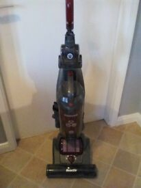 HOOVER REACTIV STEERABLE BAGLESS UPRIGHT VACUUM CLEANER