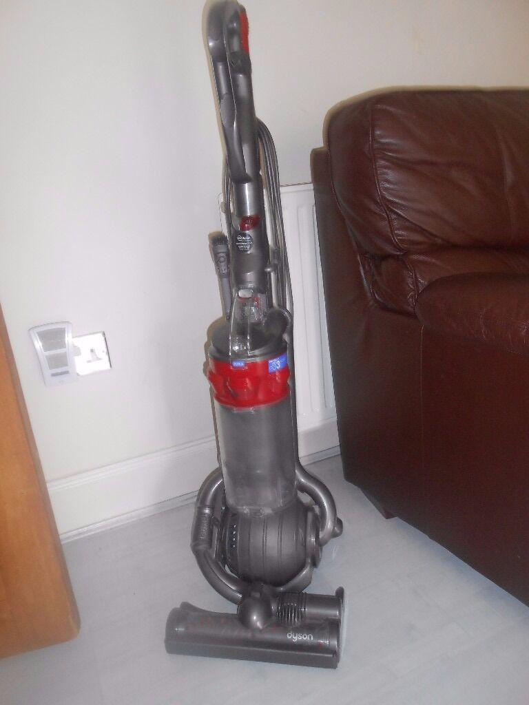 dyson ball hoover dc25 animal with all tools and telescopic reach