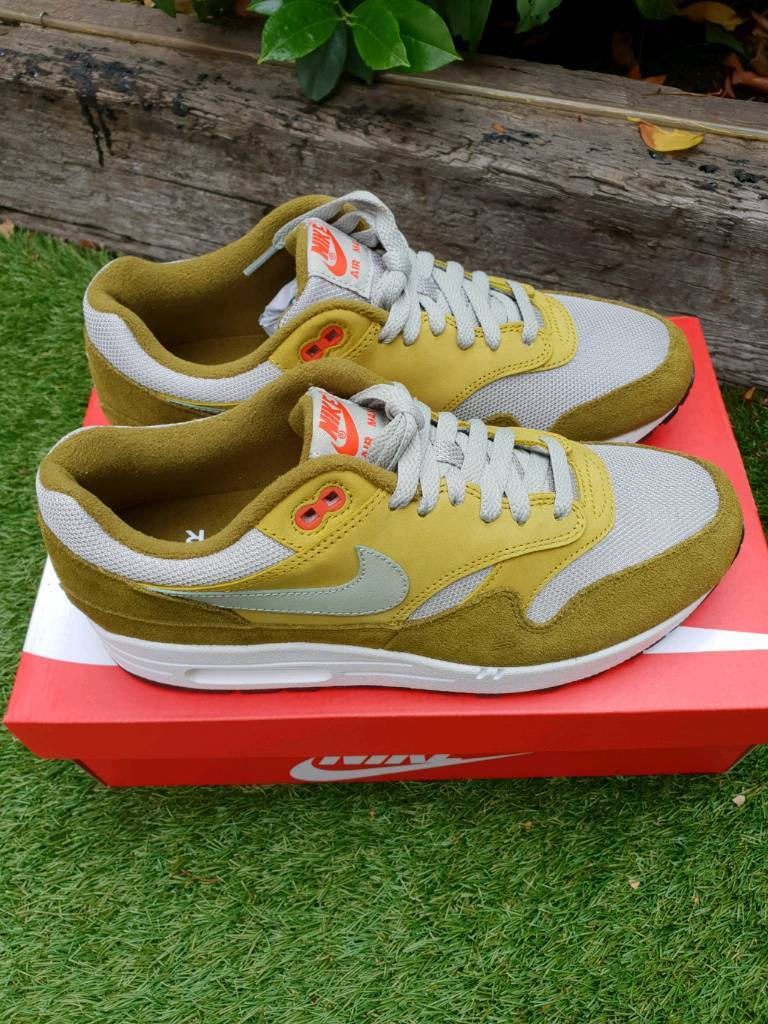 new product bf876 6de55 MENS NIKE AIR MAX 1 PREMIUM RETRO GREEN CURRY SIZE 8 UKin Newcastle, Tyne  and