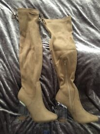 Size 5 cream knee high Suade boots *BRAND NEW*