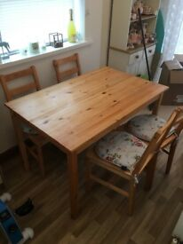 Dining Table & 4 chairs. £40 ONO need gone ASAP