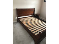 Beautiful antique style pine sleigh bed frame, very good condition, all solid wood, king size, 5ft