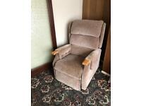 Riser reclining mobility chair