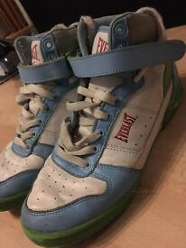 Size 5 Everlast trainers