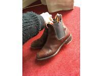 Maroon Chelsea boots 6