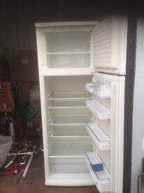 Boschettixx Fridge Freezer