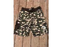 Duffs men's camo silhouette shorts 30waist