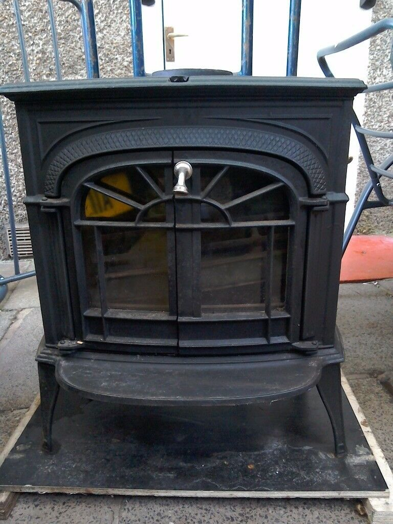 Vermont Castings Intrepid 11 Wood Burning Stove In