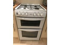 Excellent condition free standing gas cooker