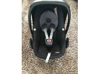 Maxi cosi pebble black and grey with raincover excellent condition