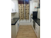 Twin or Double room for two friends or a couple! Only 3min walking to Clapton Overground!