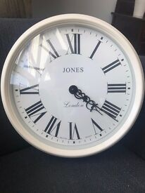 Beautiful, Stylish Clock - Mint condition ** £19 **
