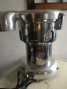RUBY 2000 VEGETABLE and FRUITS JUICE EXTRACTOR