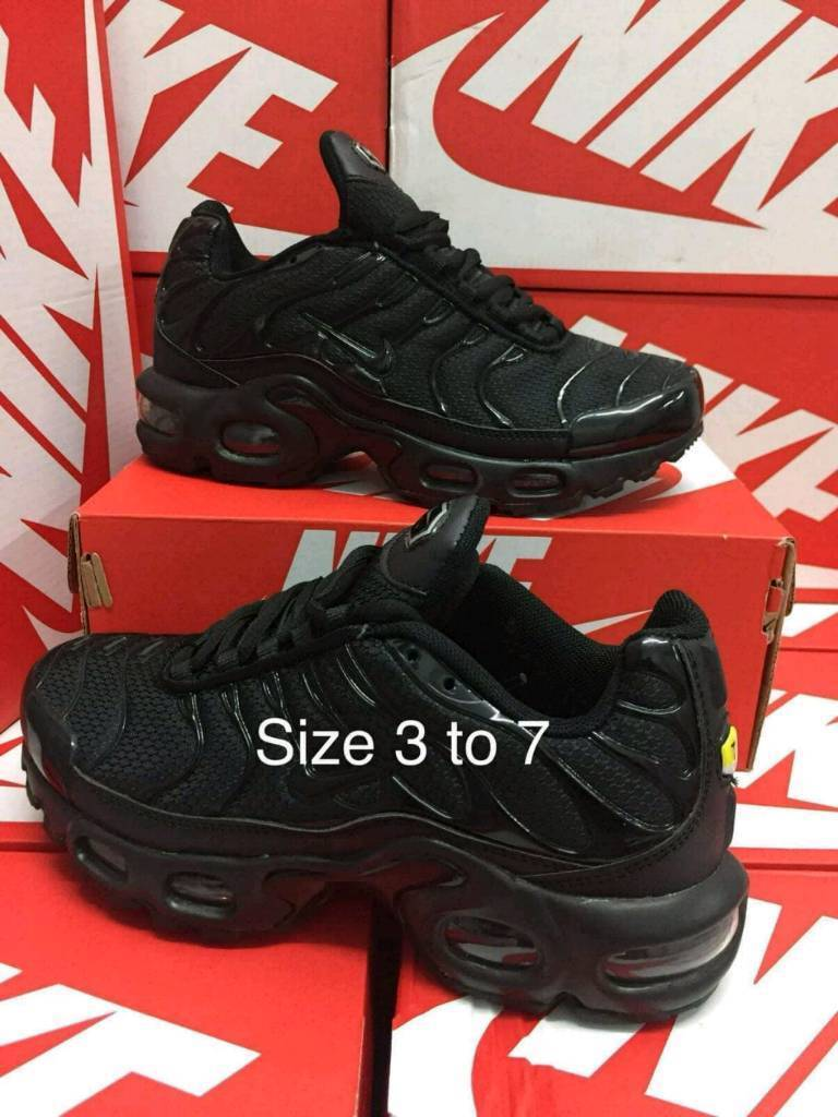... Womens Trainers newest  875ce bec60 WomensBoys Nike Air Max TN Plus  Sizes 3-7 clearance sale ... 8a57169f0c