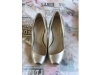 Karen millen gold stilettos uk size 5/6 Euro 39