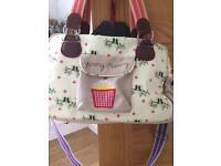 Yummy mummy changing bag £5