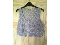New look cropped ditsy print top size 12