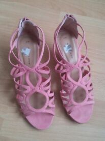New look pink heel shoes size 4