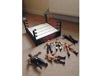 Wrestling ring and 6 figures great condition