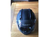Duchinni 701 motorcycle helmet. Large