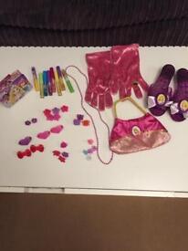 Girls dressing up items