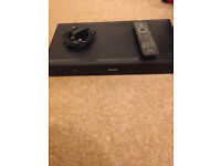 Phillips DVD and BlueRay Player BDP3000/05 with power cable and remote