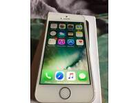 Iphone5s white 16GB locked to 3 network good working condition