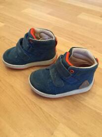 Clarks Maxi Jump boots in blue - infant size 4.5G
