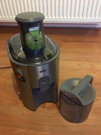 Braun J700 1000W Juicer in stainless steel