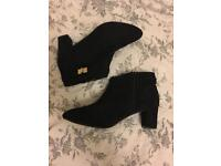 Wide fit New Look boots (Never worn)