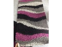 Purple grey black shaggy wave rug exc condition