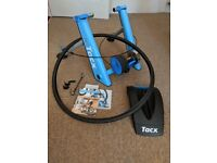 Tacx Blue Matic T2650 turbo trainer and Skyliner front wheel support