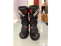 Sidi vortice motorbike boots, size 8 in good condition.