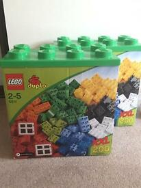 200 piece box of Duplo