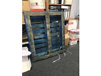 Free Pallet to collector