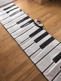 Walk on piano (early learning centre)