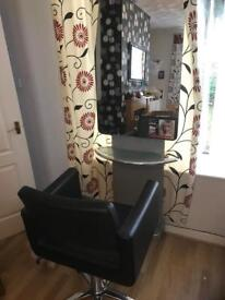 Salon mirror unit and elevating chair