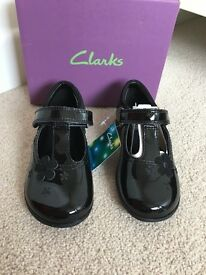 Girls Black Patent shoes with lights BRAND NEW