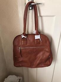 London tan leather goods shoulder bag
