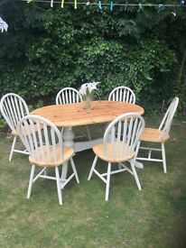 Stunning farmhouse table & 6 chairs